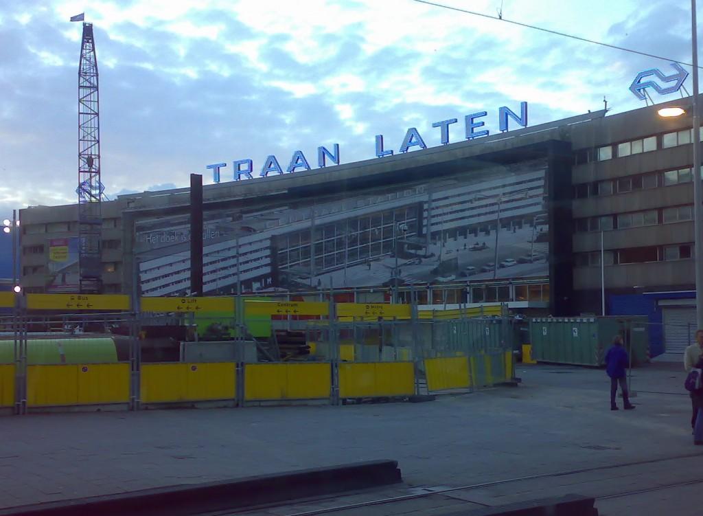 Sloop Rotterdam Centraal Station Traan Laten Wonen