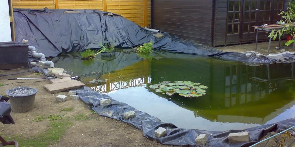 Aanleg vijvers grote vijver aanleggen met folie wonen for Vijverpomp voor grote vijver