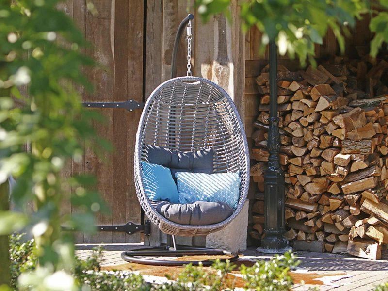 Hoe Maak Je Een Hangstoel.De Hangstoel Een Hippe Verrijking Voor Je Tuin Wonen Interieur