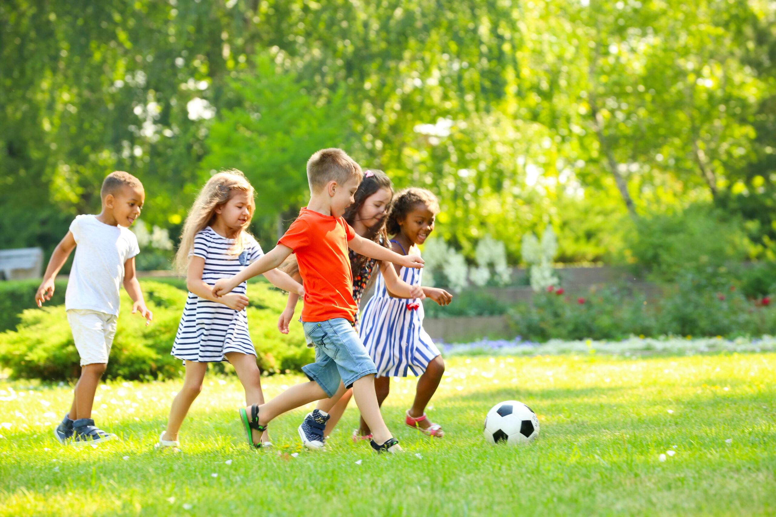 Spelen in de kindvriendelijke tuin