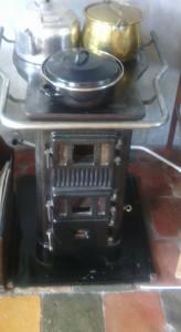 antieke-houtskool-kachel-164x300