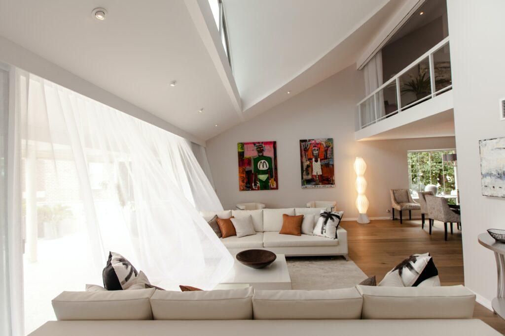 Moderne woonkamer. Foto: unsplash