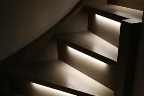 Traptreden met led verlichting. Foto: Ledstripkoning.